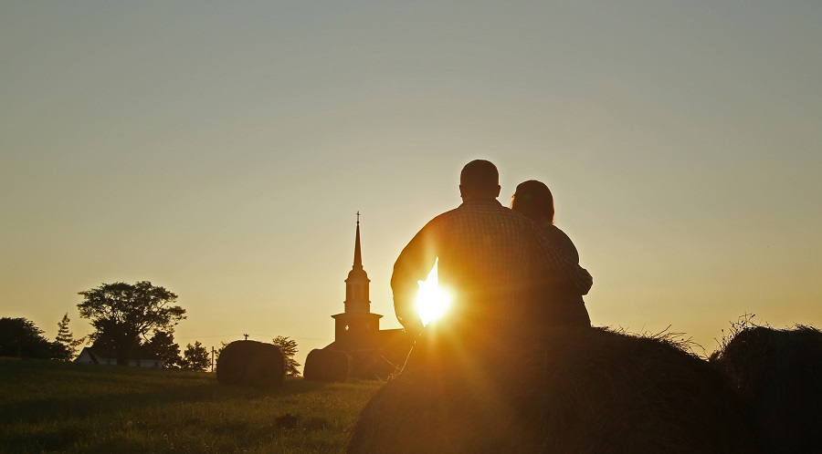 St Andrews Community - Couple at Sunset